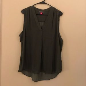 🎉NWT Vince Camuto forest green Blouse